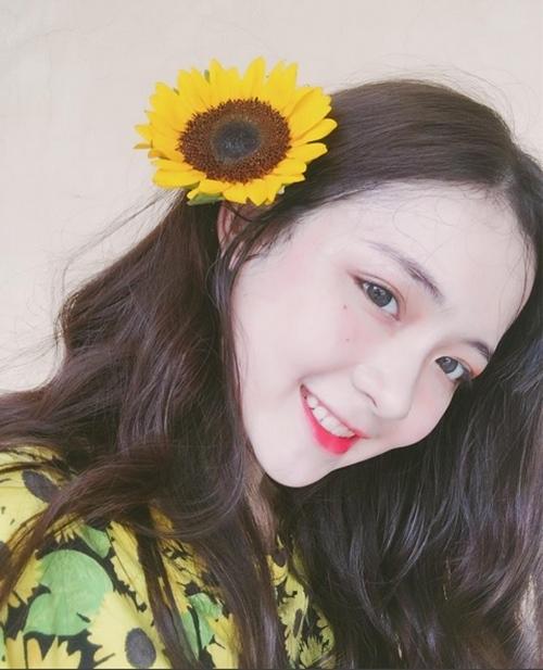 hot-girl-10x-xu-nghe-dep-khong-ti-vet-khien-dan-mang-san-lung-page-2