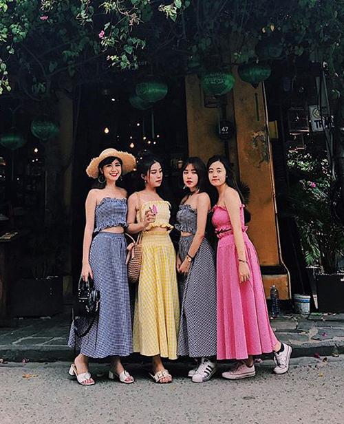 mac-dong-phuc-nhu-girlgroup-la-mot-moi-khi-chup-anh-co-hoi-co-phuong-3