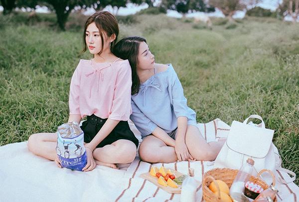 mac-dong-phuc-nhu-girlgroup-la-mot-moi-khi-chup-anh-co-hoi-co-phuong-7