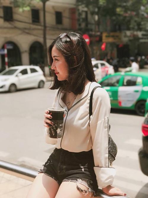 ve-dep-nhu-hot-girl-cua-co-giao-tieu-hoc-bui-thuy-ngan-4