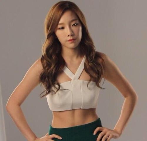 nhung-lan-tae-yeon-khoe-eo-thon-co-bung-so-11-dang-ghen-ty-6