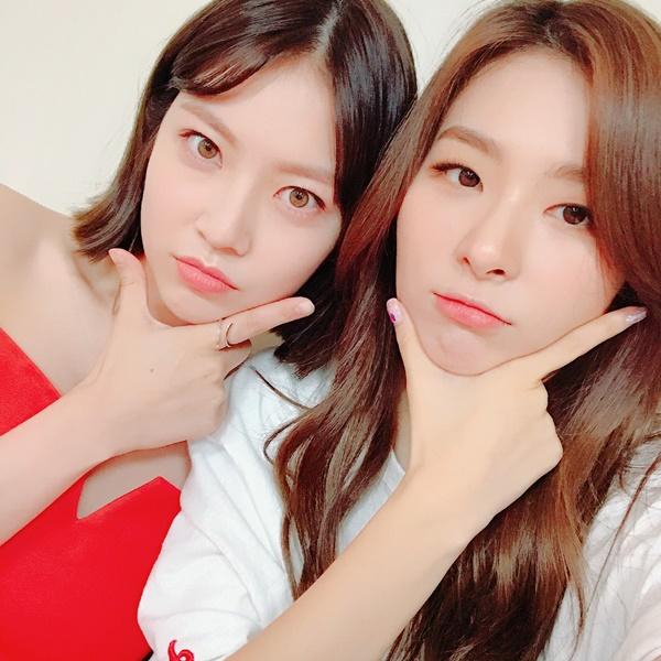 sao-han-7-9-seo-hyun-mac-vay-cuoi-long-lay-sulli-tet-toc-nhu-thieu-nu-2