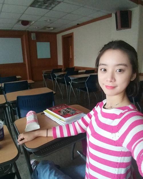 sao-han-7-9-seo-hyun-mac-vay-cuoi-long-lay-sulli-tet-toc-nhu-thieu-nu-2-2