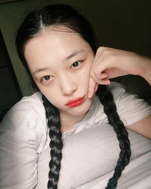 sao-han-7-9-seo-hyun-mac-vay-cuoi-long-lay-sulli-tet-toc-nhu-thieu-nu