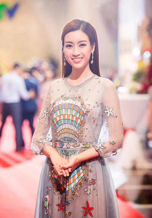 nha-phuong-dep-khong-kem-khi-do-sac-voi-dan-em-my-linh-4