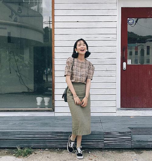 3-cach-phoi-do-thu-chun-khoi-chinh-voi-tong-nau-hot-trend-10