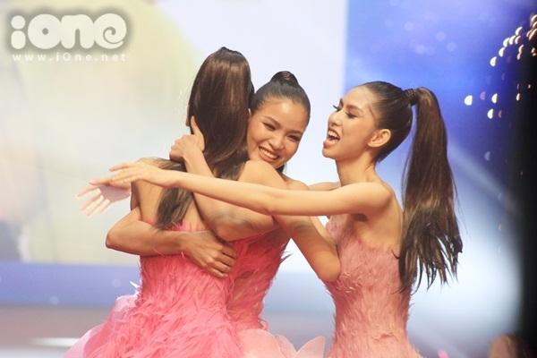 kim-dung-top-model-toi-khong-phai-la-doi-thu-cua-thuy-duong-tren-mang-xa-hoi-1
