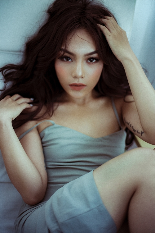 vu-thao-my-day-thi-thanh-cong-voi-loat-anh-sexy-kho-nhan-ra-o-tuoi-20-10