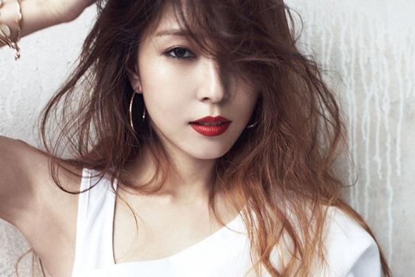 7-sao-kpop-dinh-dam-duoc-dong-dao-tan-binh-nguong-mo-3