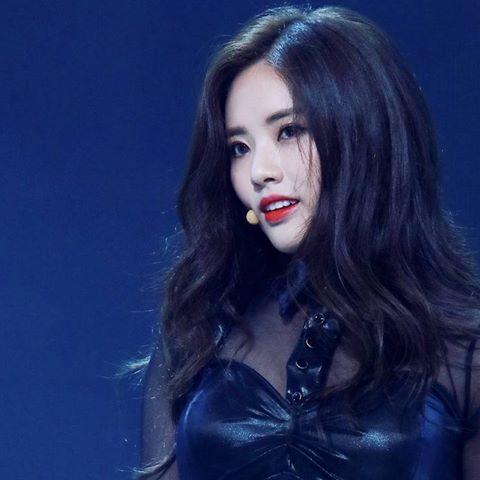 9-idol-nu-duoc-debut-thong-qua-cuoc-thi-chi-nhin-mat-khong-xet-tai-nang-2-1