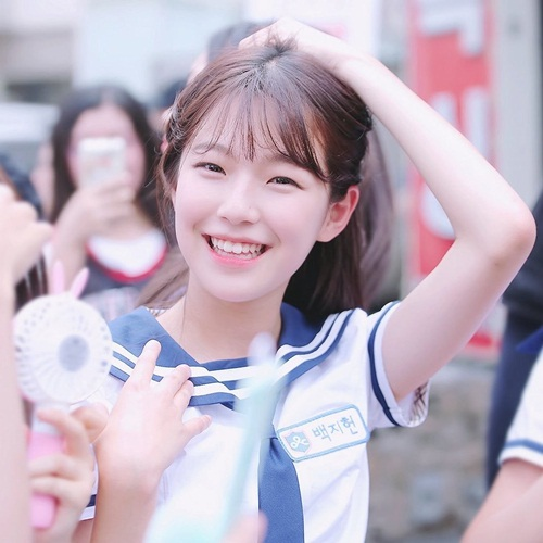 9-idol-nu-duoc-debut-thong-qua-cuoc-thi-chi-nhin-mat-khong-xet-tai-nang-2-4