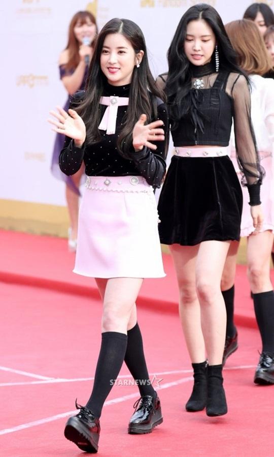 dan-sao-han-do-cach-pose-la-tren-tham-do-korea-music-festival-2-7