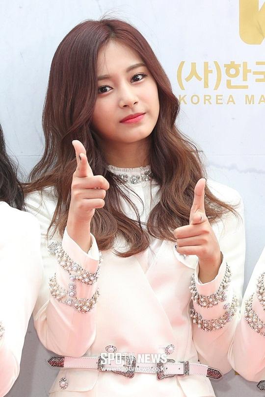 dan-sao-han-do-cach-pose-la-tren-tham-do-korea-music-festival-2-4