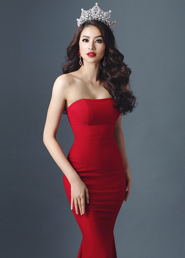 Sao Việt: Phạm Hương 'Tôi xứng đáng làm host tại Hoa hậu Hoàn vũ'