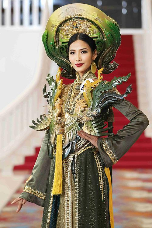 Hoang-Thuy-trinh-dien-trang-ph-2220-9038