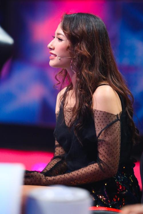 Cara Phương từng gây chú ý khi đóng bạn gái của Sơn Tùng trong MV.
