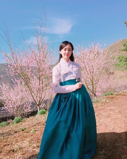 na-yeon-thang-ap-dao-kim-so-hyun-trong-bang-xep-hang-my-nhan-co-trang-4