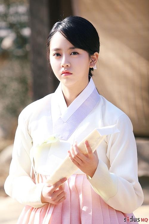 na-yeon-thang-ap-dao-kim-so-hyun-trong-bang-xep-hang-my-nhan-co-trang-5