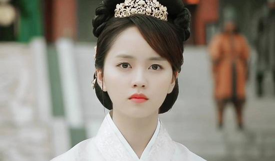 na-yeon-thang-ap-dao-kim-so-hyun-trong-bang-xep-hang-my-nhan-co-trang-6