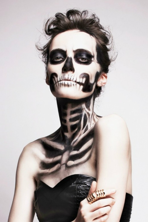 10-y-tuong-trang-diem-halloween-soc-doc-la-8