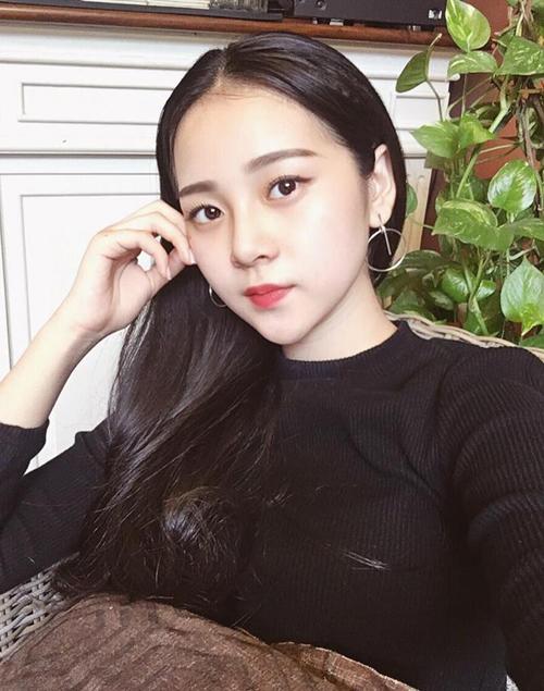 dan-hot-girl-chung-minh-con-gai-viet-de-toc-den-dai-luon-la-dep-nhat-11