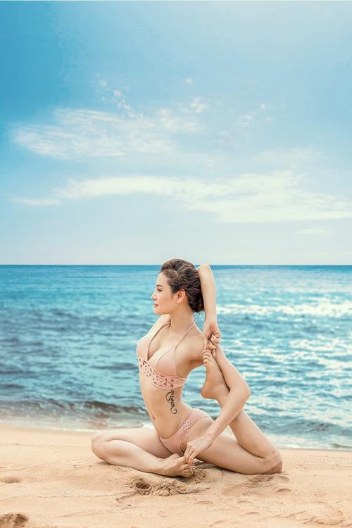 phuong-trinh-jolie-dien-bikini-khoe-duong-cong-tao-bao-1