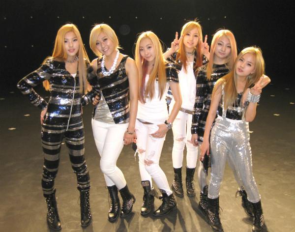 than-tuong-kpop-debut-o-tuoi-teen-nguoi-thanh-cong-ke-bi-xoa-so-2
