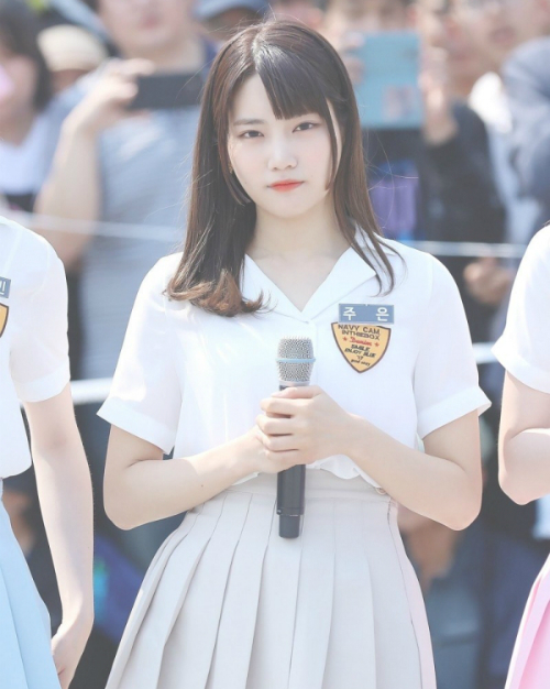 9-tan-binh-kpop-co-dien-mao-nhu-con-lai-nguoi-nuoc-ngoai-11