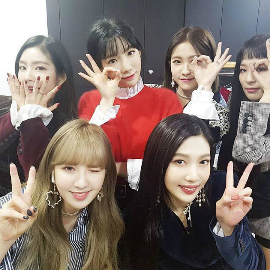 red-velvet-la-fan-girl-thanh-cong-nhat-cua-tae-yeon
