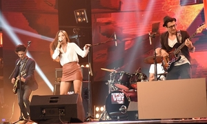 4 HLV giành giật ban nhạc 'đa quốc gia' hát nhạc xưa