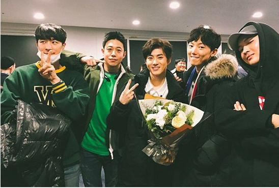 3-concert-hut-sao-kbiz-dong-khong-kem-le-trao-giai-1