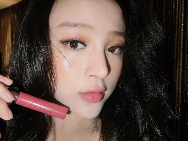 3-hot-girl-viet-co-da-moc-cang-bong-chang-kem-con-gai-han-1