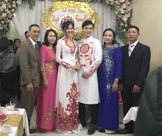 Chúng Huyền Thanh bí mật làm lễ đính hôn.
