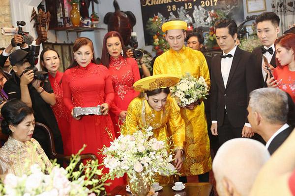 Cindy Thái Tài và Lê Duy là những người bạn thân trong suốt 10 năm của nữ ca sĩ.
