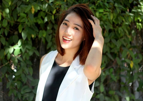 Nữ sinh 9x trường Ngoại Thương nổi tiếng sau bức ảnh đêm giao thừa.