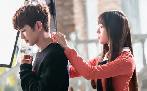 Nam chính Yoo Seung Hoo trongIm not a Robotlà một anh chàng đẹp trai, nhà giàu.