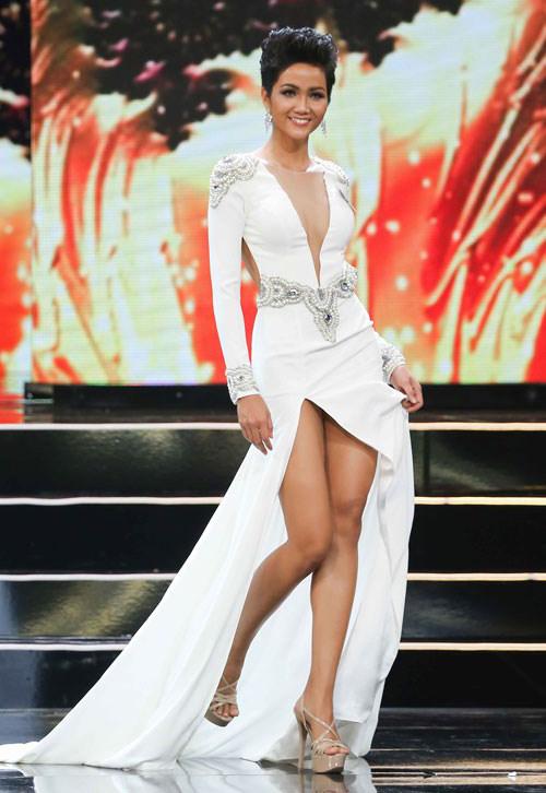 Vẻ đẹp nóng bỏng của Hoa hậu Hoàn vũ Việt Nam HHen Niê - 2