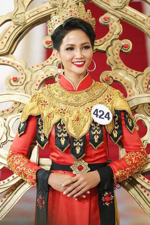 5 lý do giúp HHen Niê đăng quang Hoa hậu Hoàn vũ Việt Nam 2017 - 3