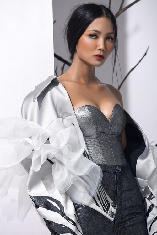Vẻ đẹp nóng bỏng của Hoa hậu Hoàn vũ Việt Nam HHen Niê - 9