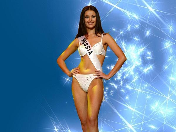 Điều gì làm cho các Hoa hậu Hoàn vũ thêm phần nổi tiếng? - 1