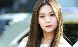 Idol Kpop bị chê quá xấu: Người 'lột xác', kẻ suy sụp đến mức rời nhóm
