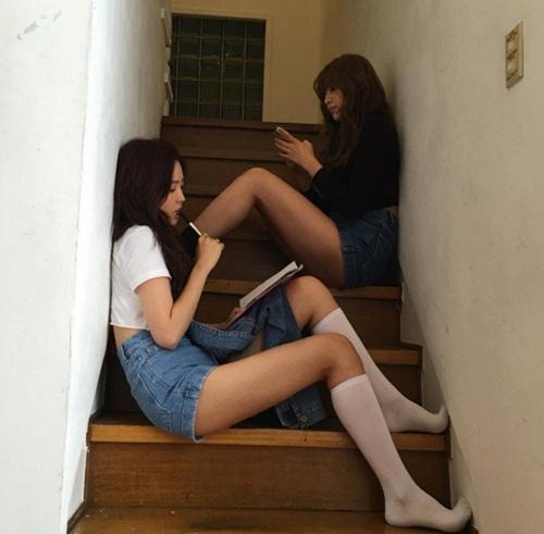 Những mỹ nhân Hàn khoe chân dài miên man không cần giày cao gót - 10