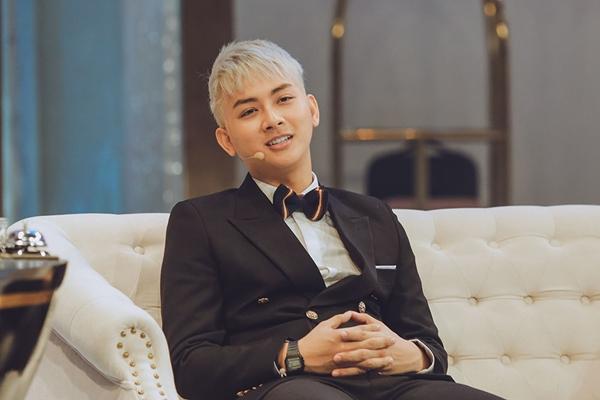 Nam ca sĩ Hoài Lâm.