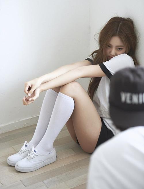 Top 10 bộ váy sexy đốt mắt của idol sang chảnh Jennie - 5