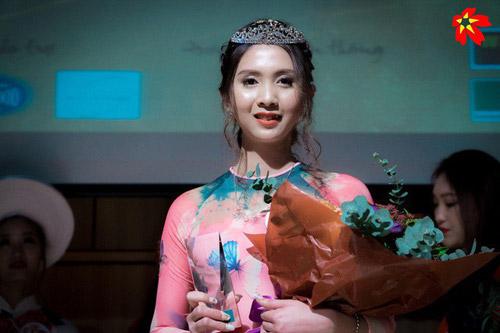 Cô bạn răng khểnh cực duyên trở thành Hoa khôi sinh viên tại Nhật