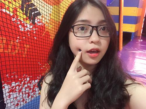 Bạn gái hot girl khiến tiền vệ Quang Hải gọi điện ngay sau trận thắng lịch sử - 1