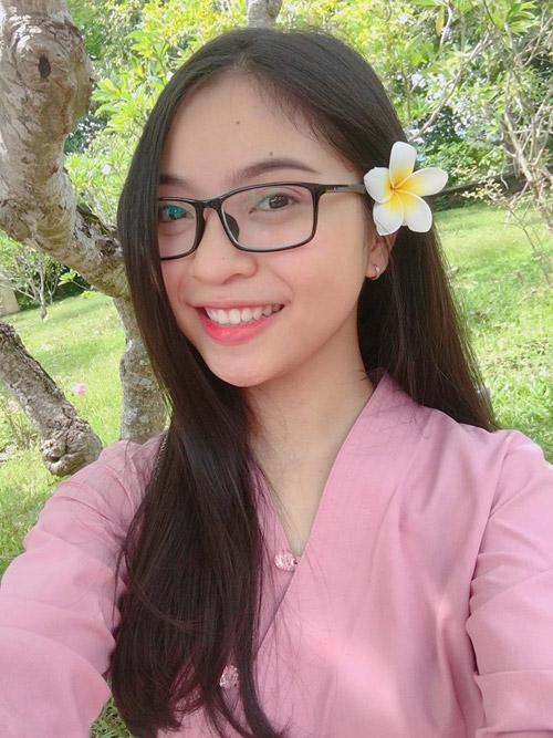 Bạn gái hot girl khiến tiền vệ Quang Hải gọi điện ngay sau trận thắng lịch sử - 5