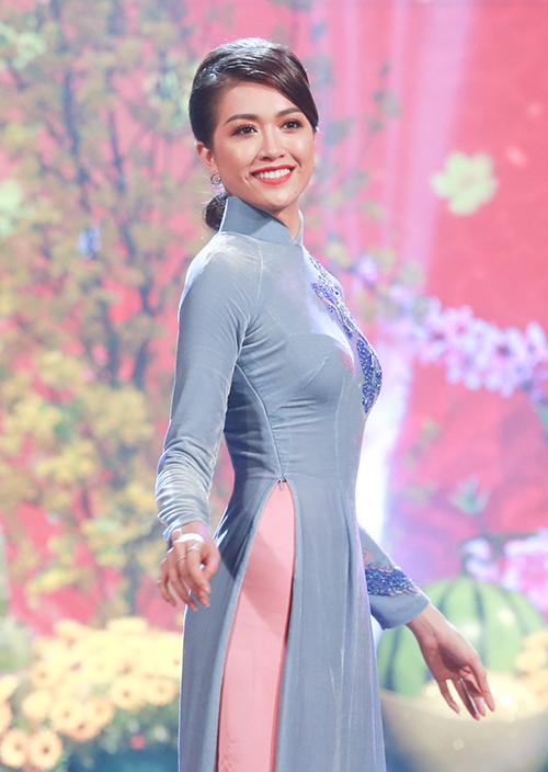 Sau đăng quang, Hoàng Thùy - HHen Niê quay lại làm người mẫu - 7
