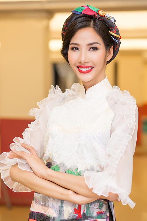 Sau đăng quang, Hoàng Thùy - HHen Niê quay lại làm người mẫu - 3
