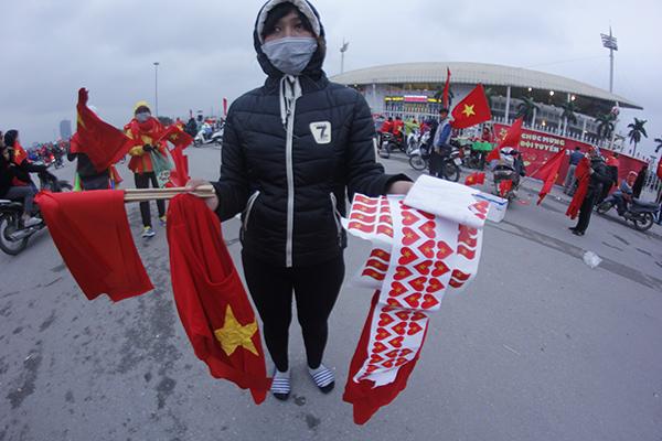 Kiếm bộn tiền nhờ ăn theo cơn sốt U23 Việt Nam - 2